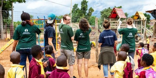 10 Countries to Volunteer in Now