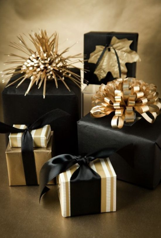 The 411 On Holiday Gift Wrapping: How To Wrap Like A Pro