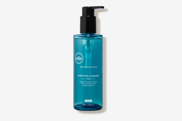 *8 Amazing Products that will Clear Acne Scars
