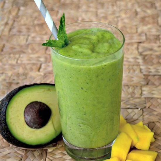 8 Avocado Smoothie Health Benefits You Probably Didn't Know About
