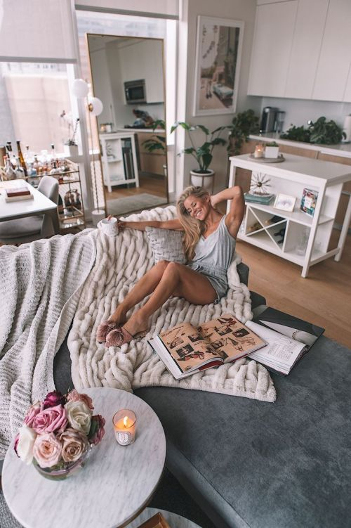 10 Ways To Re-Vamp Your Living Space Without Breaking The Bank