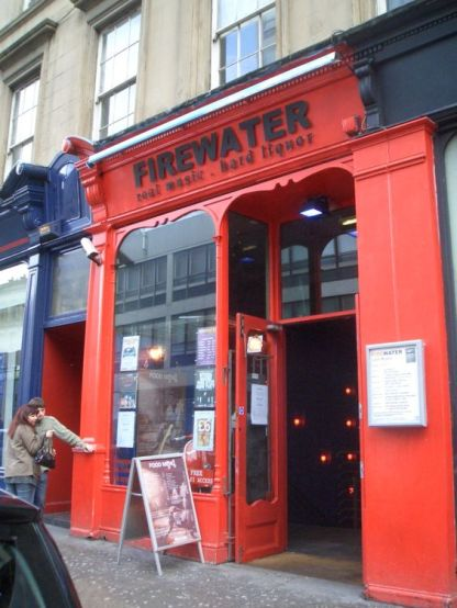 5 Best Student Bars To Try In Glasgow