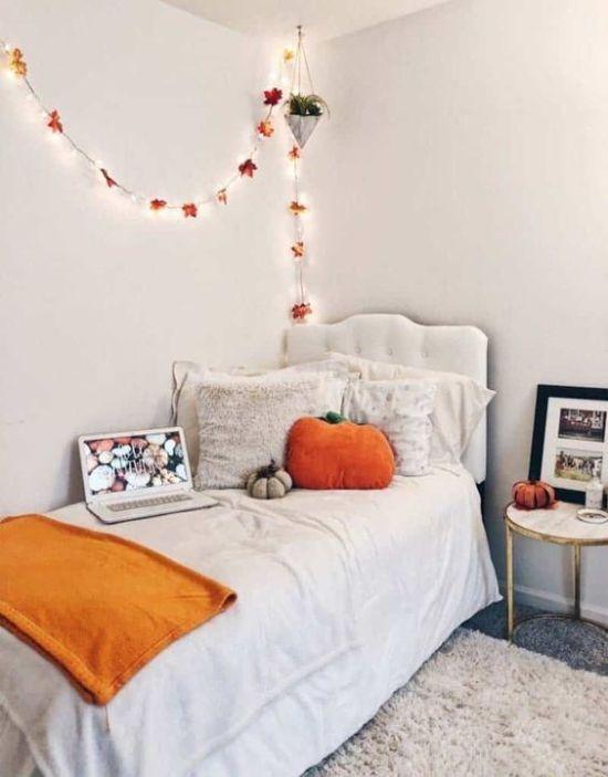 20 Fantastic Dorm Decor Ideas For The Fall Season