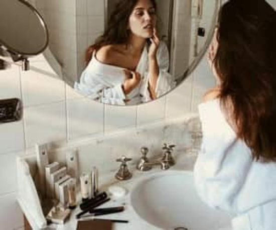 Coconut Oil Replaced All Of My Beauty Products For A Day And This Is What Happened