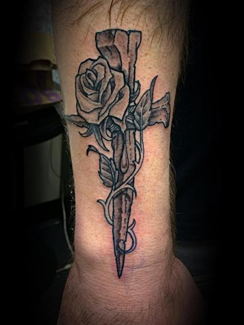 20 Rose Tattoo Ideas That Are Cute AF