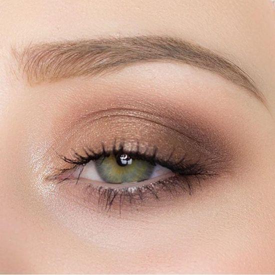 8 Best Eyeshadow Looks For Green Eyes