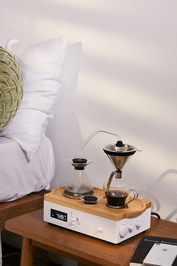 *8 Essential Alarm Clocks To Get For Your College Dorm Room