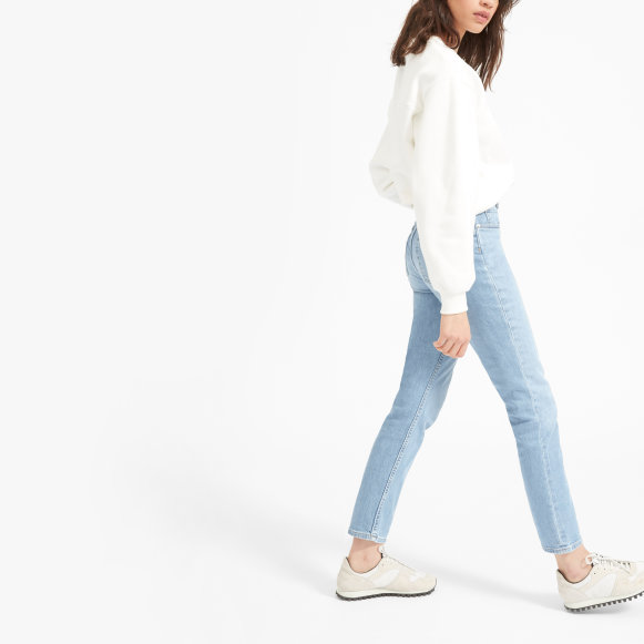 Great Summer Jeans For Both Men And Women Who Love To Travel