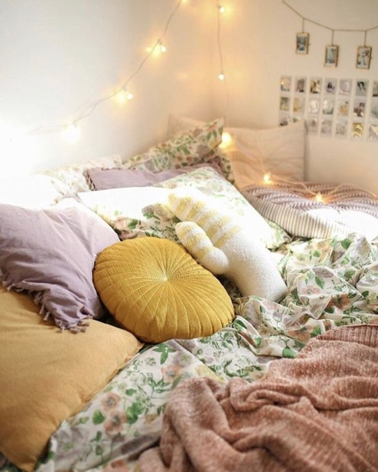 10 Unconventional Ways to Decorate Your Dorm Room