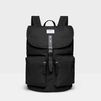 7 Trendy Backpacks Great For University Students