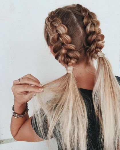Cute And Easy Hairstyles For When The Heat Is Unbearable