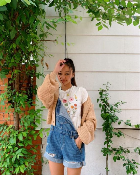 *10 Ways To Dress Up Overalls To Make Them Instagram Cute