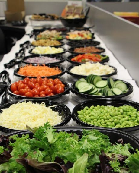 10 Ways To Make Eating In The Dining Hall Infinitely Better