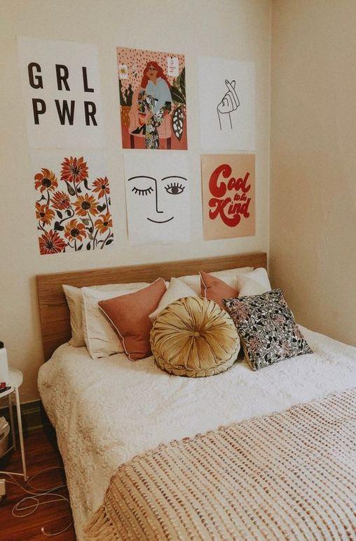 6 Unique Ways to Fill Your Dorm Walls