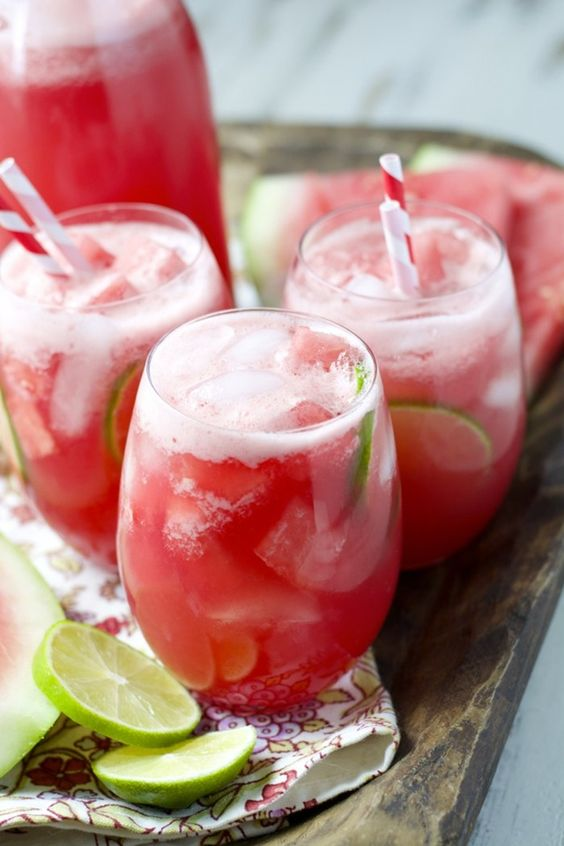 5 Drink Recipes For A Picnic In A Park