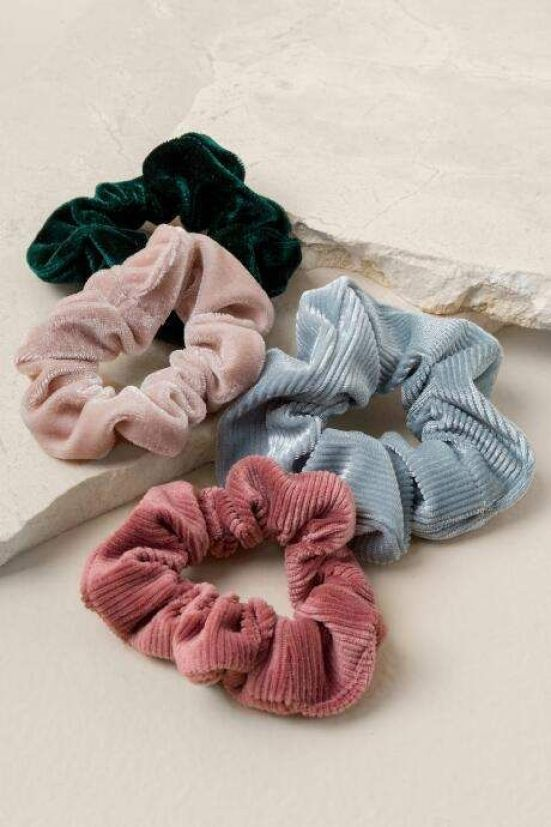 Trendiest Hair Accessories For The Fall