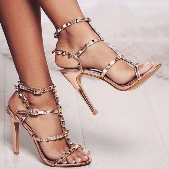 10 Prom Shoes To Wear To Make Your Date Swoon