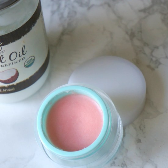 Top Five Ways To Use Coconut Oil In Your Beauty Routine