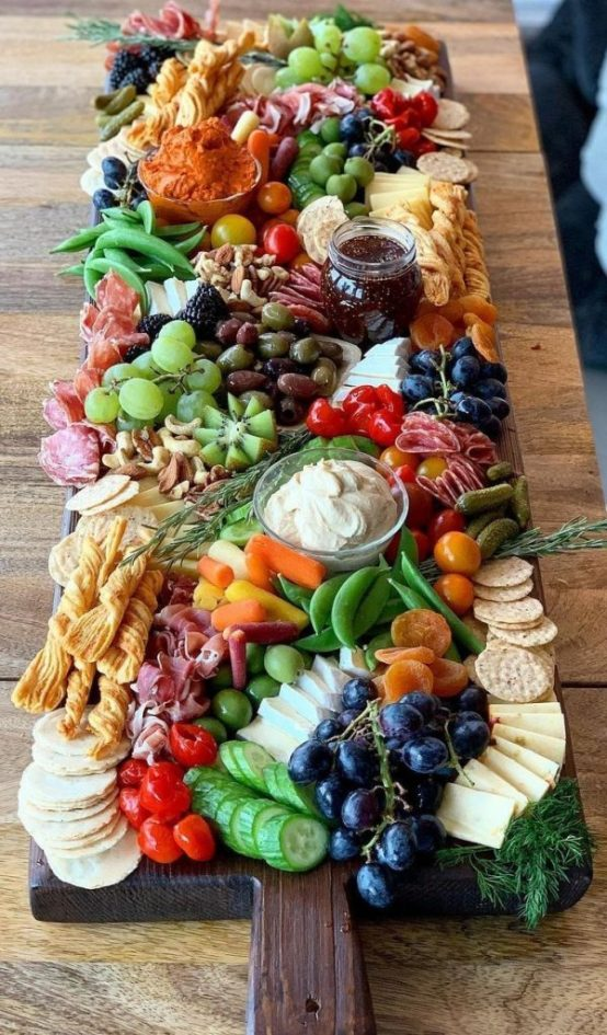 10 Things Every Charcuterie Board Needs