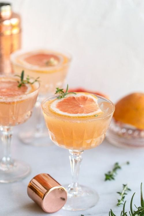 Grapefruit Thyme Fizz is one of the multiple citrusy cocktails that have made the list for this spring.