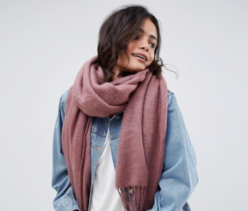 7 Scarves That You Need This Fall