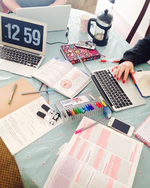 10 Tips For Staying Organized During Virtual Classes