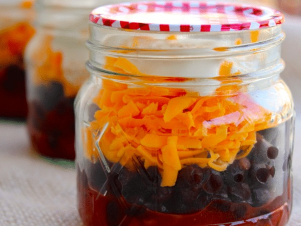 Easy Mason Jar Meals For The On-The-Go Person