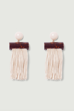 *10 Accessories That Will Give Your Wardrobe A Facelift