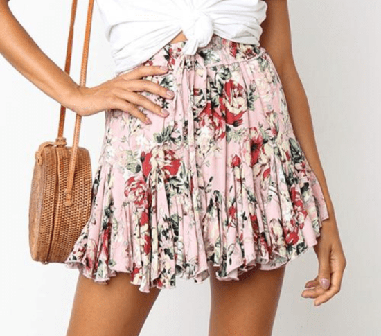9 Fashionable Mini Skirts Everyone Can Pull Off