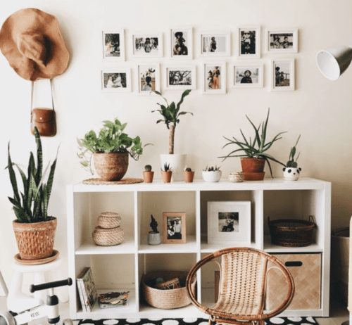 24 Ways To Save Space In Your Small AF Dorm