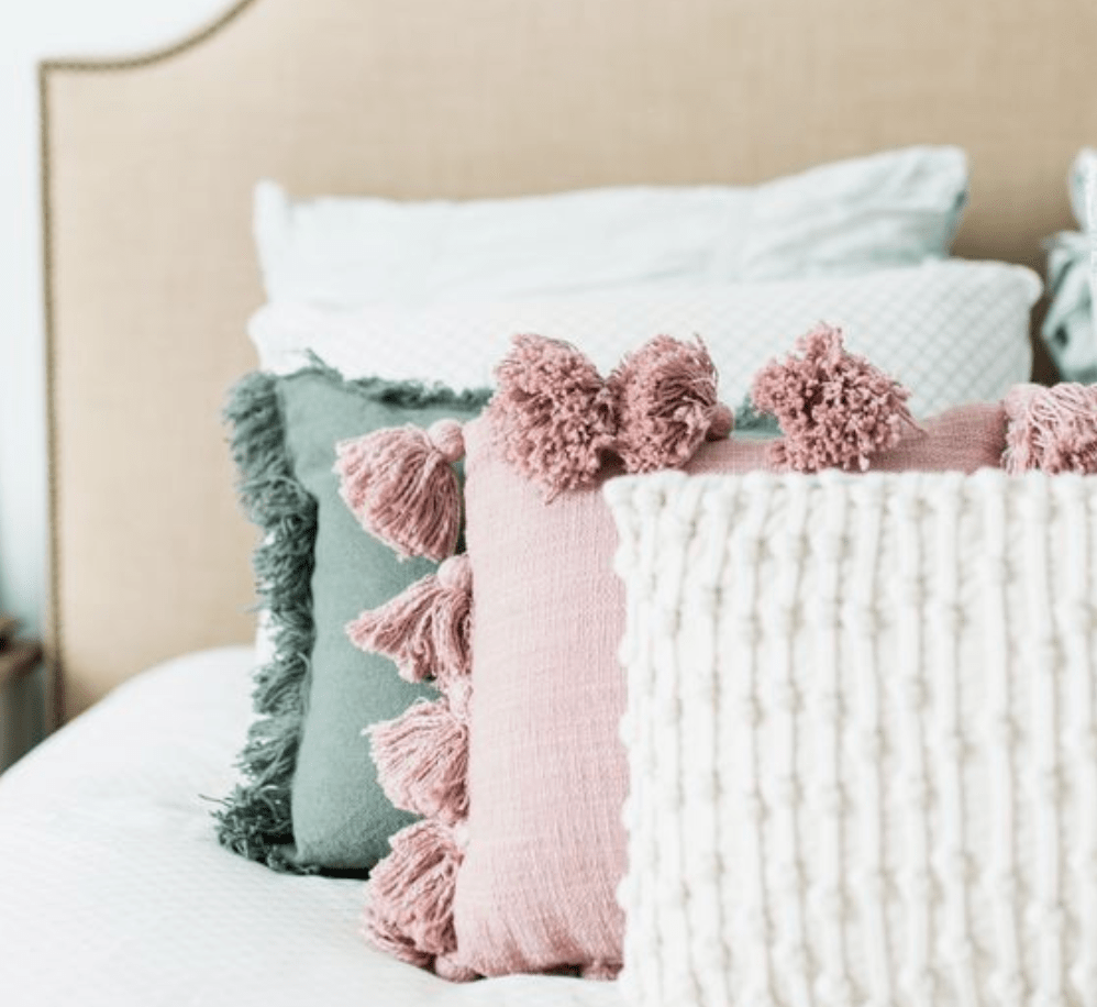 Example of decorative pillows on a bed