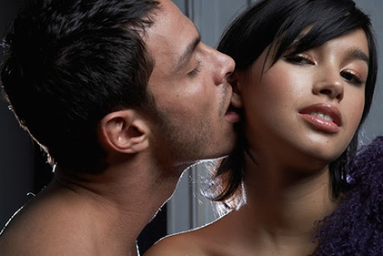 10 Of The Sexiest Things Men Do In Bed