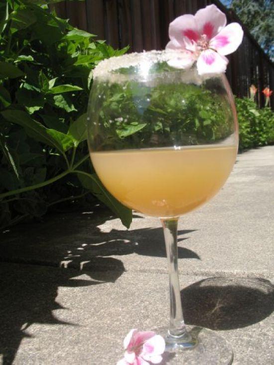 Fruitiest Mocktails - Sparkling Virgin Appletini