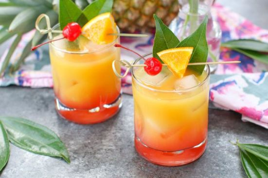 10 Great Drinks To Try While Out With Friends (That Aren't Booze)
