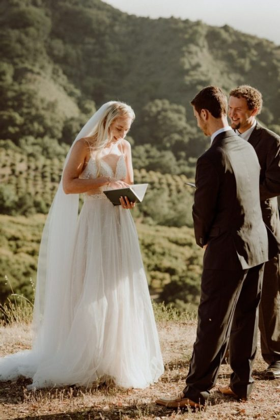 Tips For Writing The Most Romantic Wedding Vows
