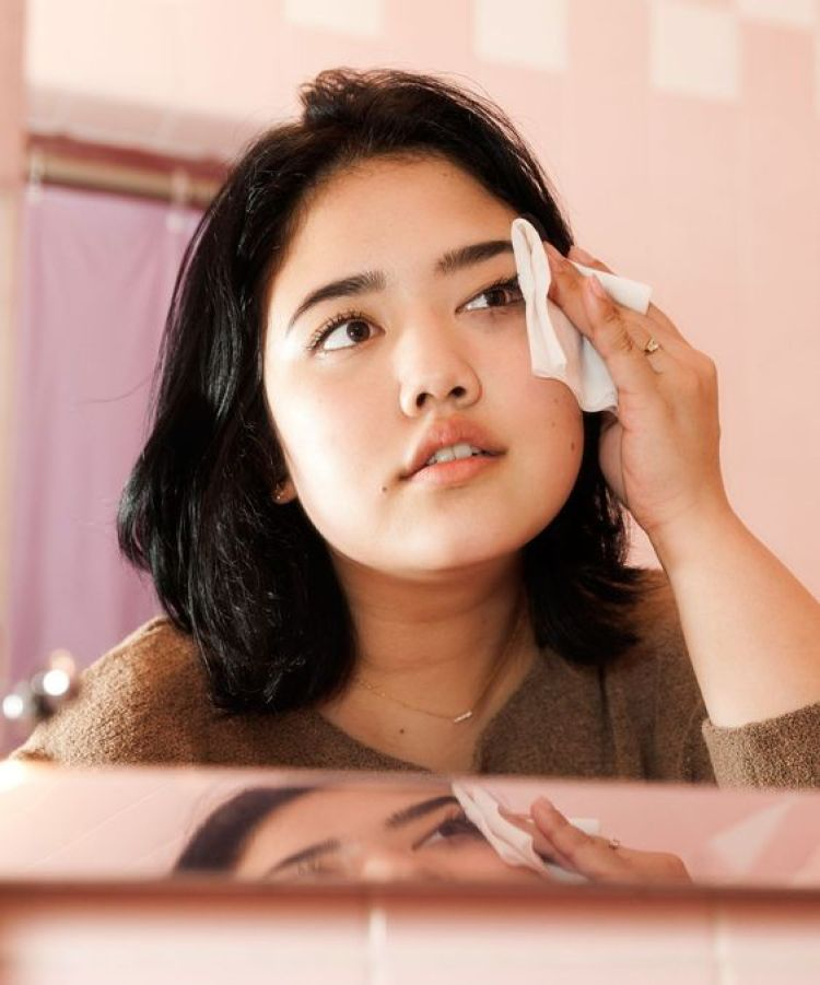The Skincare Routine That Completely Got Rid Of My Acne