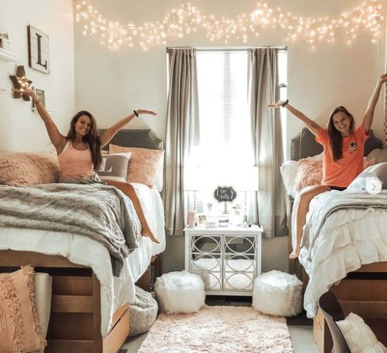 12 Bonding Activities To Do With Your New College Roommate