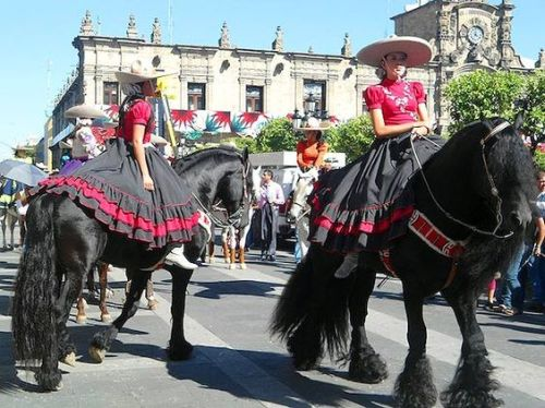 The 8 Best Cities To Celebrate Cinco De Mayo In