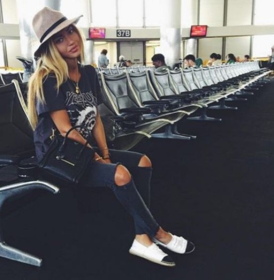 12 Cute Airport Outfits You'll Need For Your Spring Break Travels