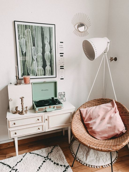 11 Ways To Make The Most Of Your Dorm Room: Top 10 Ways To Make Your Dorm Room Look More Like A Home