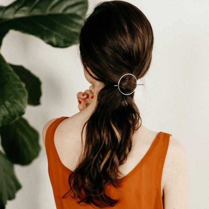 """10 mühelose Frisuren, die Sie rocken können, wenn Sie in Eile sind """"width ="""" 696 """"height ="""" 696 """"data-recalc-dims ="""" 1"""