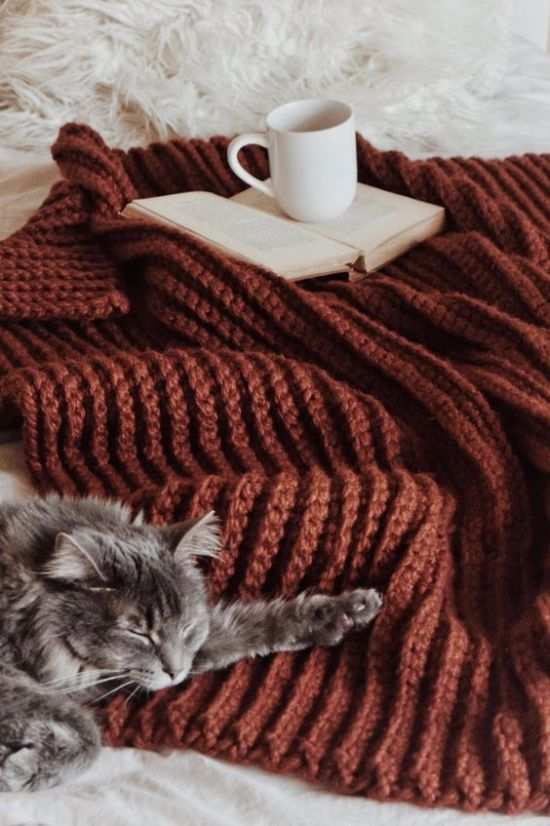 10 Ways To Make Your Room Feel Cozy In The Winter
