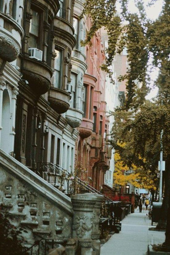 10 Neighborhoods To Explore In New York City