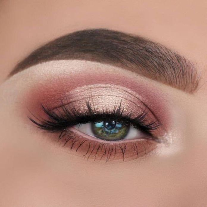 How To Easily Accomplish 'Soft-Glam' Makeup