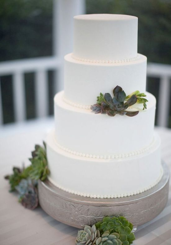 10 Spring Wedding Cakes You And Your New Spouse Will Love