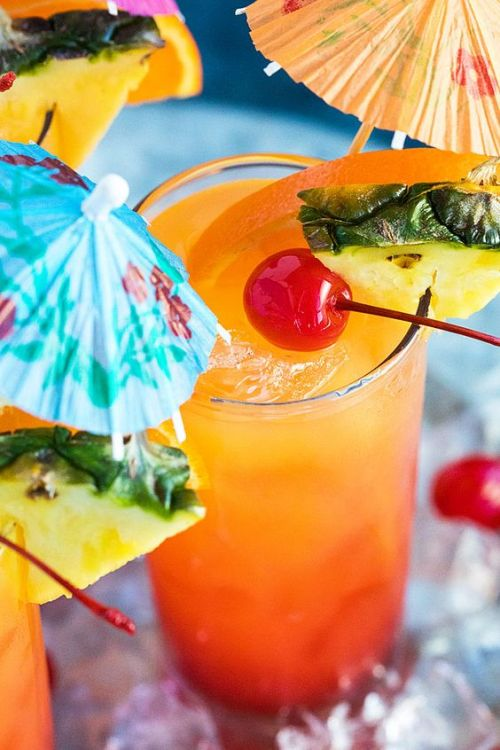 10 Cocktails Recipes That Are Cheap To Make At Home