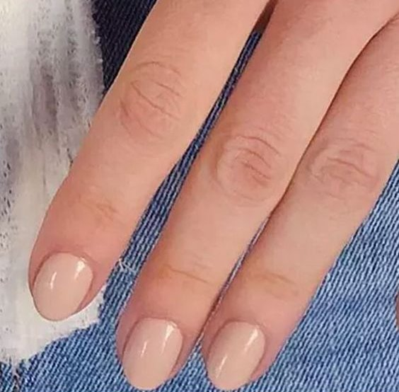 How To Get A Salon Style Manicure At Home
