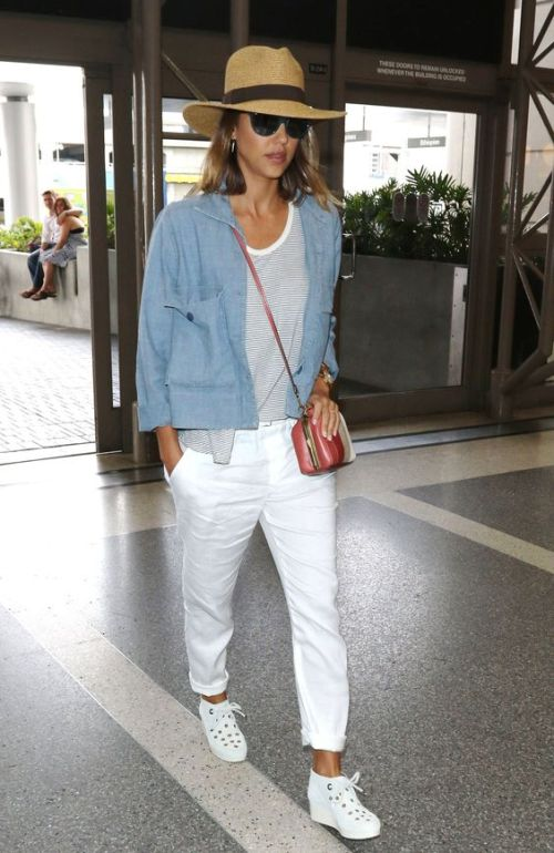Chic Memorial Day Weekend Outfit Ideas From Your Favorite Celebrities