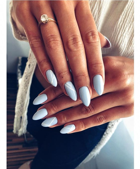 The Best Colors For Almond Shaped Nails