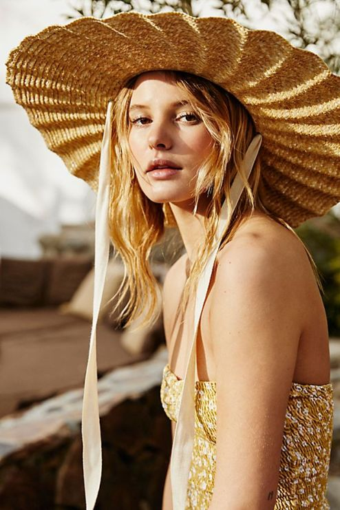 *Show-Stopping Sun Accessories To Make Your Look Pop
